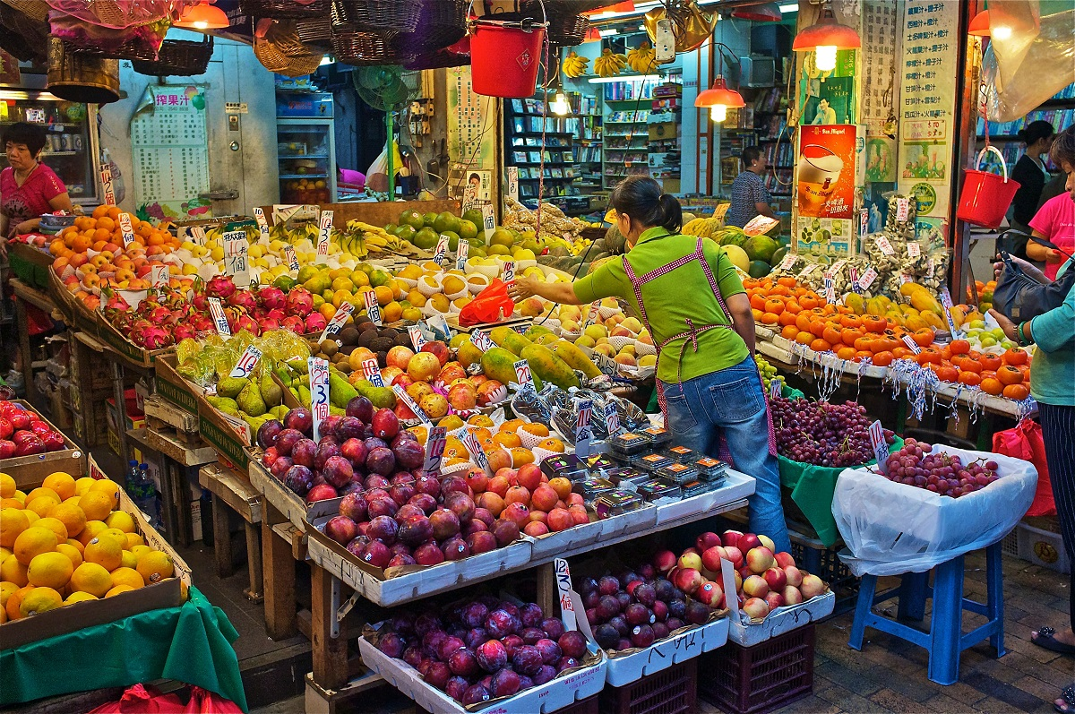 Fruit and vegetable market | Photo by Ken Mages on Unsplash