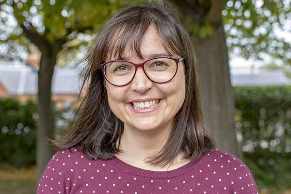 Dr Claudia Carvalho