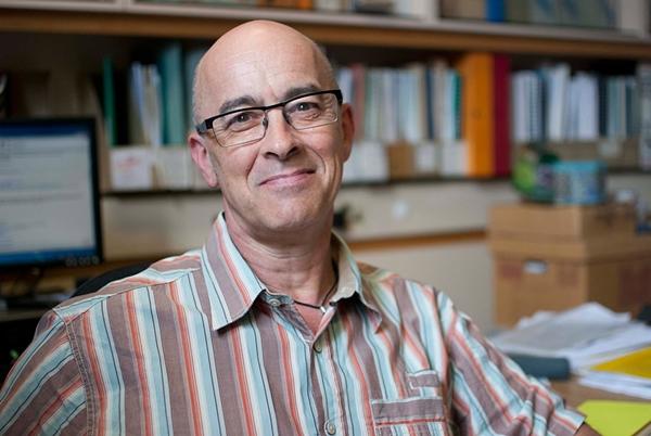 Professor Julian Quan