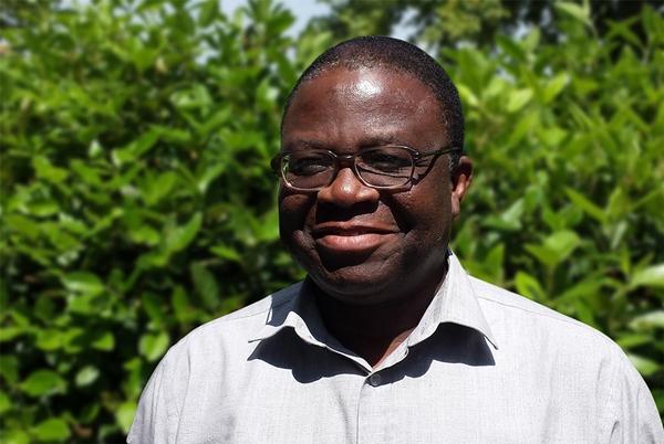 Dr Ola Ogunyinka